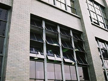 大阪中央郵便局窓の詳細