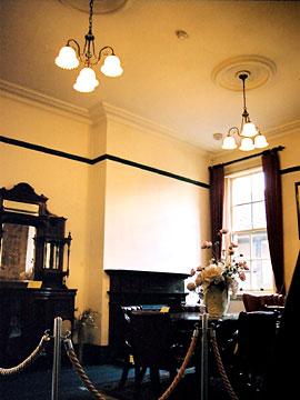 旧下関英国領事館 海事監督官室