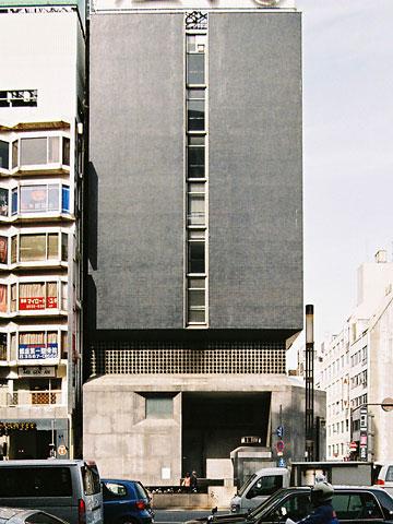 旧親和銀行東京支店正面