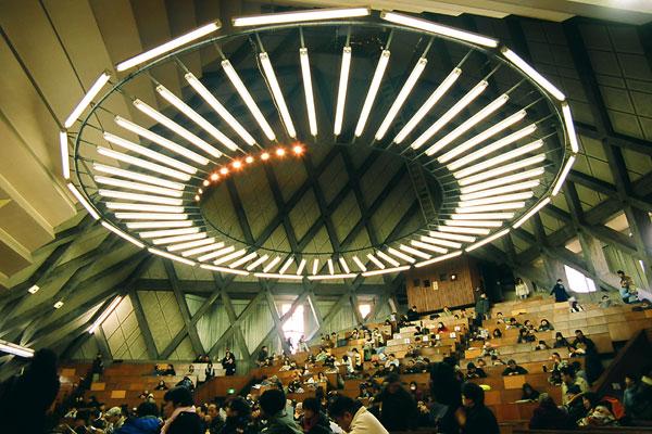 20080121-pyramid_interior02.jpg