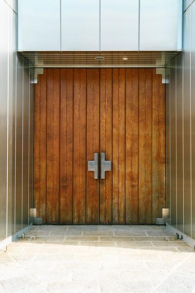 20080204-tkyc_door.jpg