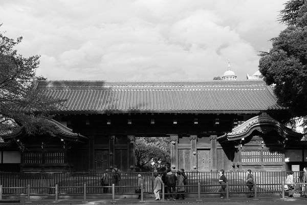 Kuromon(Gate of the Inshu-Ikeda Residence) The Complete view, Ueno Park, Tokyo, Japan